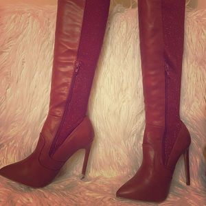Brand new burnt red colored back lurex hip boots